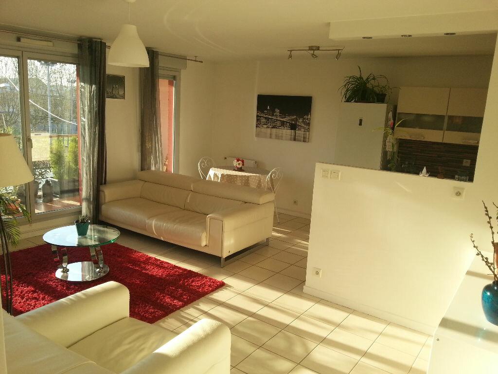 Achat Appartement 4 pièces à Vénissieux - vignette-1