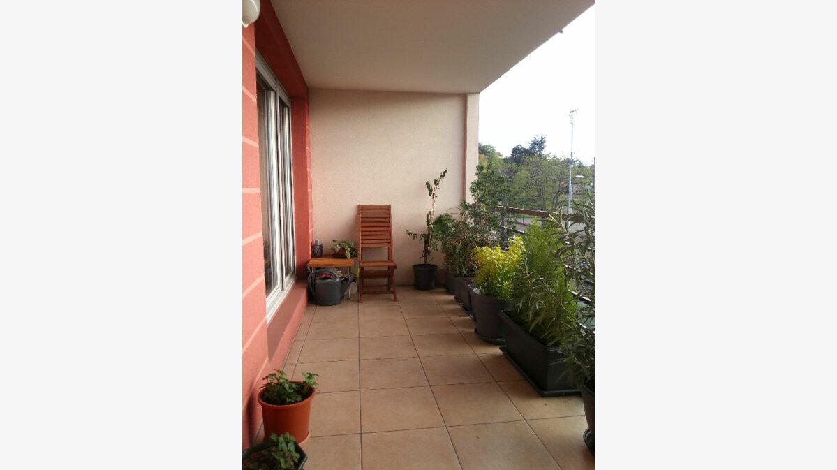 Achat Appartement 4 pièces à Vénissieux - vignette-4