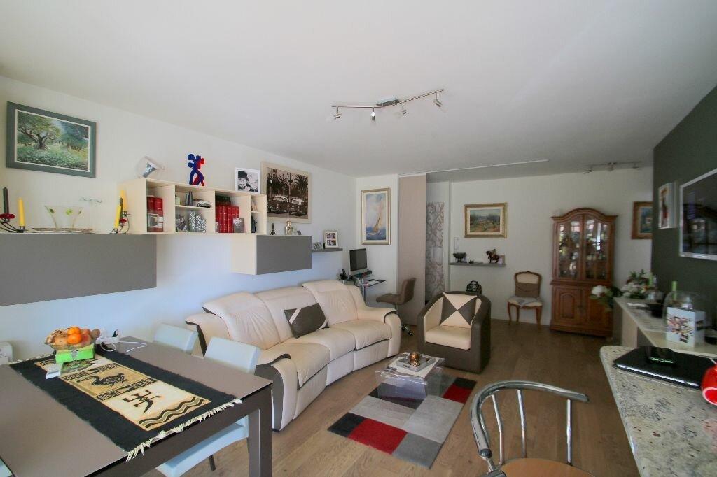 Achat Appartement 4 pièces à Beausoleil - vignette-4