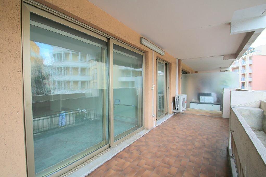 Achat Appartement 3 pièces à Roquebrune-Cap-Martin - vignette-3
