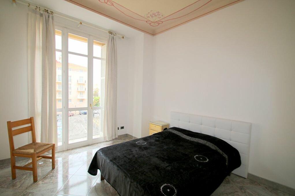 Achat Appartement 4 pièces à Menton - vignette-9
