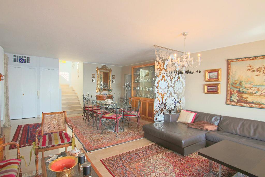 Achat Appartement 4 pièces à Roquebrune-Cap-Martin - vignette-5