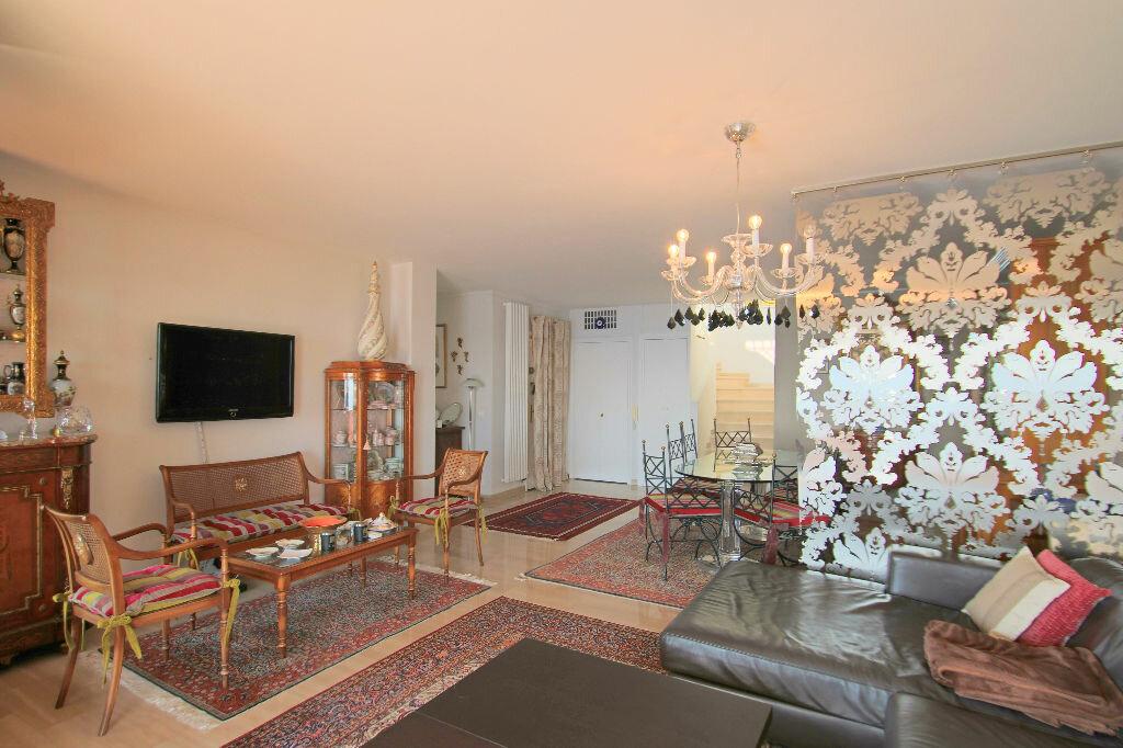 Achat Appartement 4 pièces à Roquebrune-Cap-Martin - vignette-6