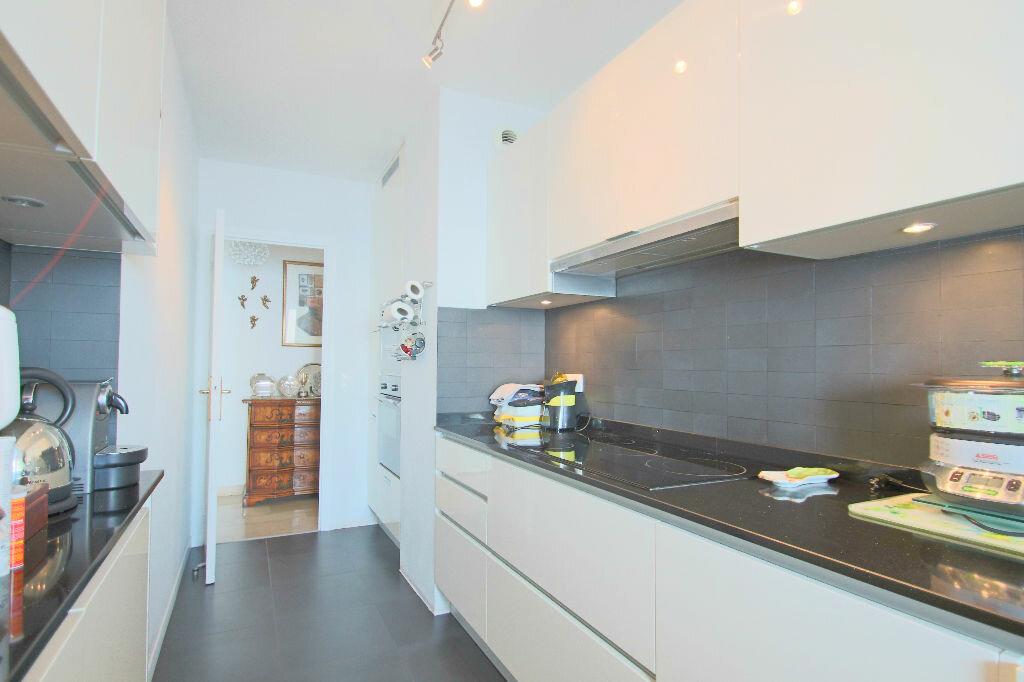 Achat Appartement 4 pièces à Roquebrune-Cap-Martin - vignette-8