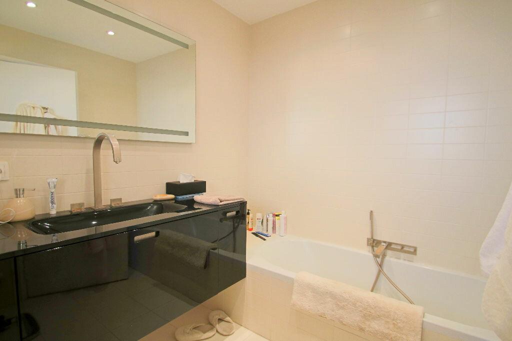 Achat Appartement 4 pièces à Roquebrune-Cap-Martin - vignette-11