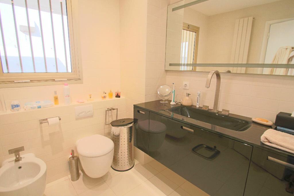 Achat Appartement 4 pièces à Roquebrune-Cap-Martin - vignette-12