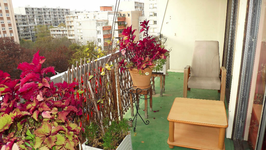 Achat Appartement 5 pièces à Vaulx-en-Velin - vignette-4