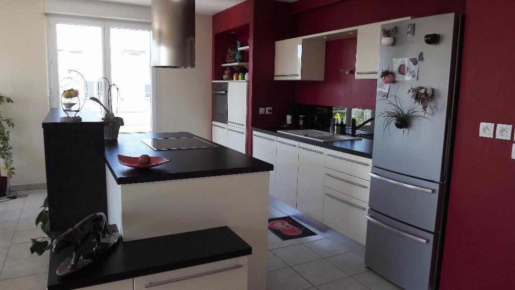 Achat Appartement 5 pièces à Vaulx-en-Velin - vignette-3