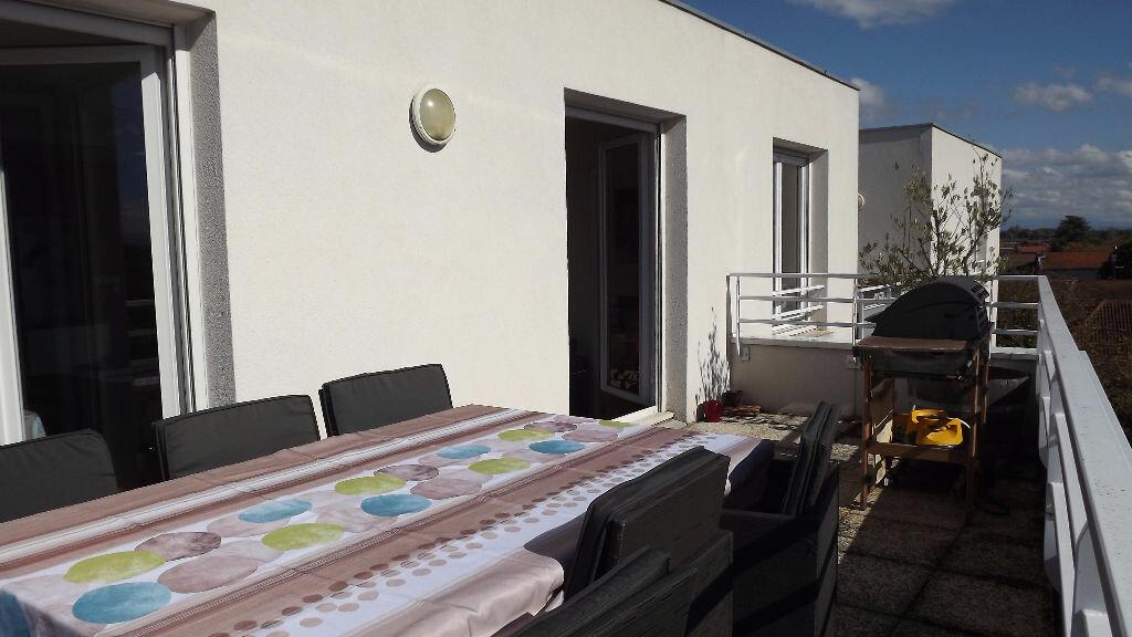 Achat Appartement 5 pièces à Vaulx-en-Velin - vignette-5