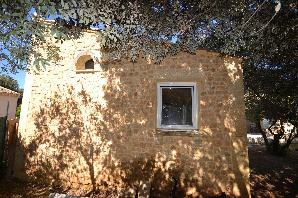 Achat Maison 8 pièces à Castillon-du-Gard - vignette-18
