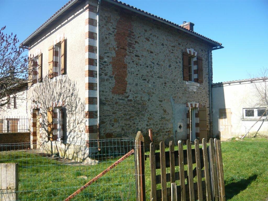 Achat Maison 3 pièces à Étagnac - vignette-1