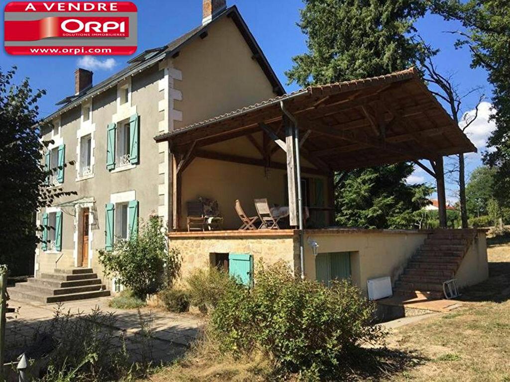 Achat Maison 6 pièces à Saint-Junien - vignette-1