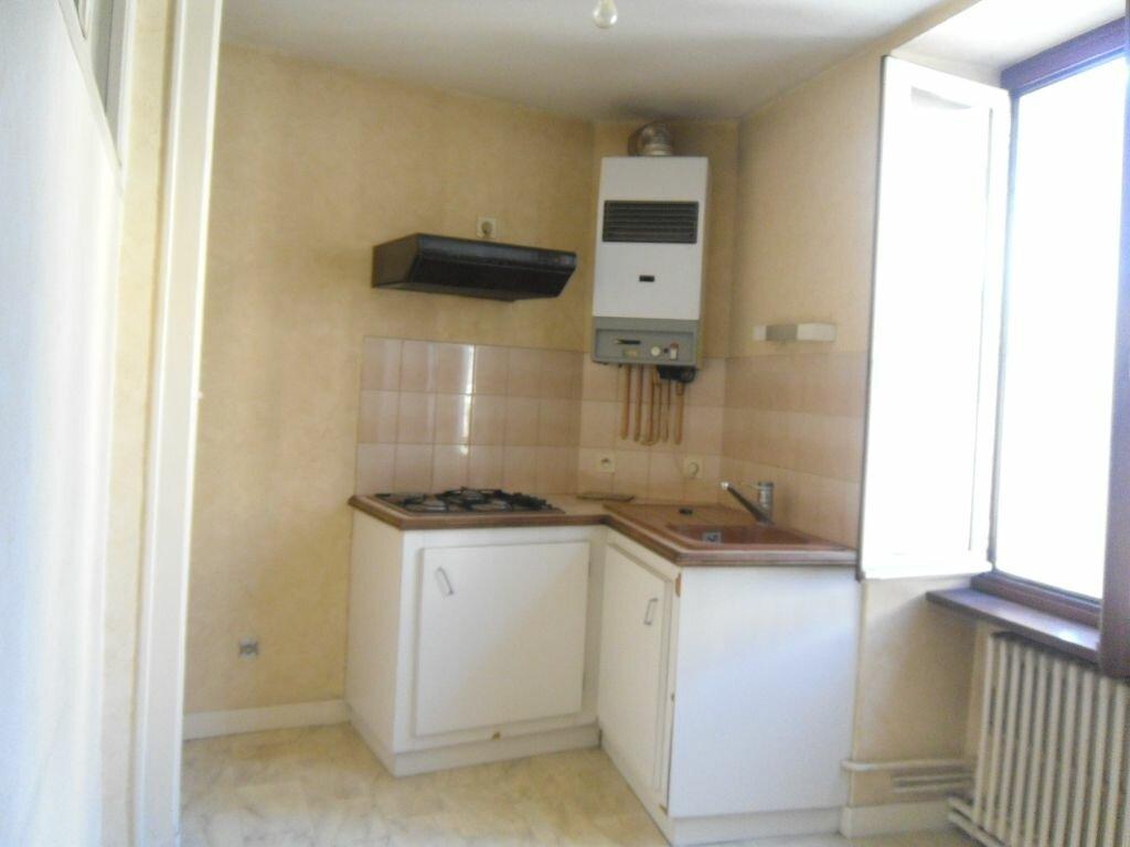 Location Appartement 2 pièces à Saint-Junien - vignette-2