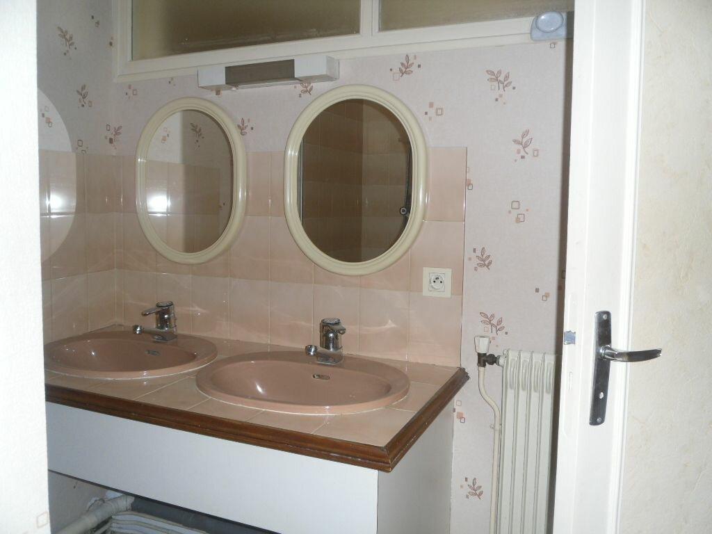 Location Appartement 2 pièces à Saint-Junien - vignette-6