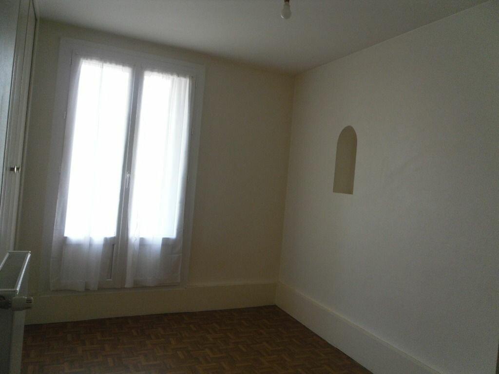 Location Maison 2 pièces à Saillat-sur-Vienne - vignette-3