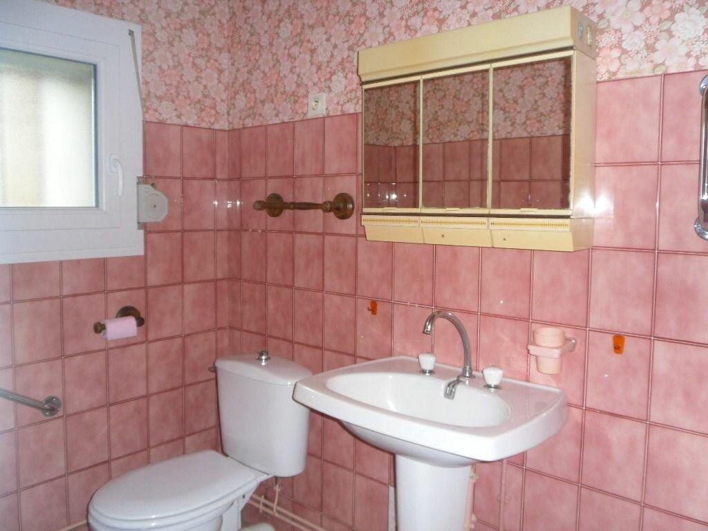 Location Maison 2 pièces à Saillat-sur-Vienne - vignette-4