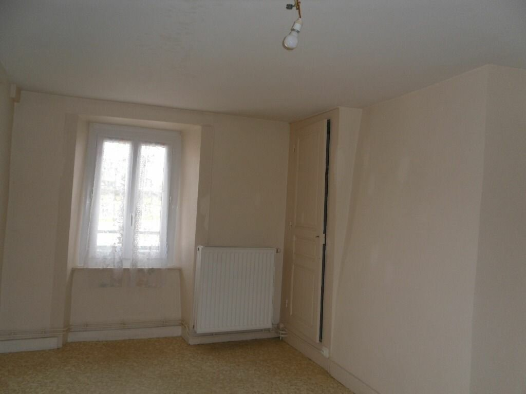 Location Maison 2 pièces à Saillat-sur-Vienne - vignette-6