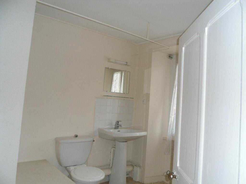 Location Maison 2 pièces à Saillat-sur-Vienne - vignette-7