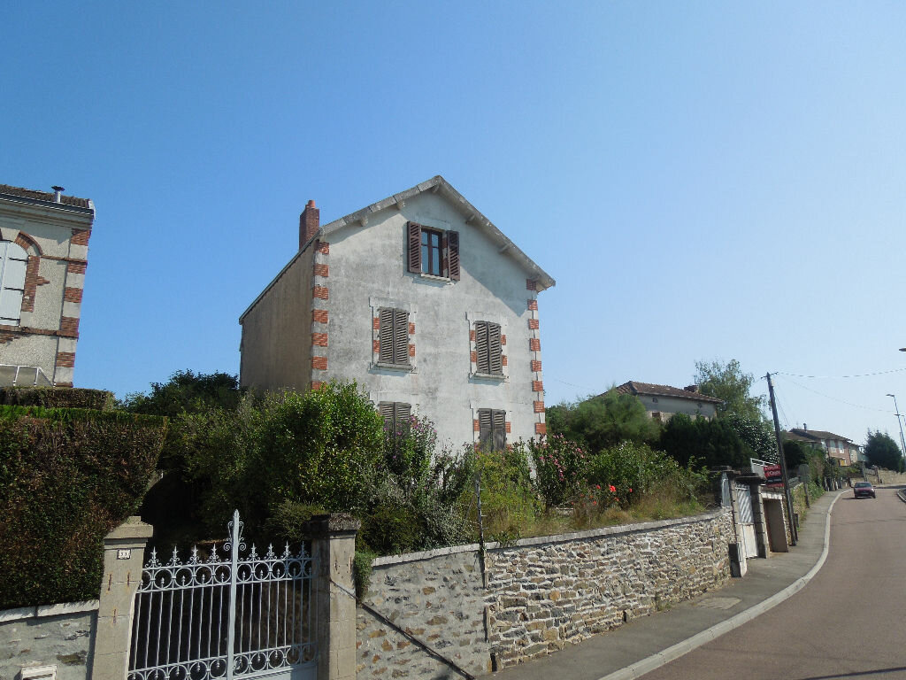 Achat Maison 7 pièces à Saint-Junien - vignette-1