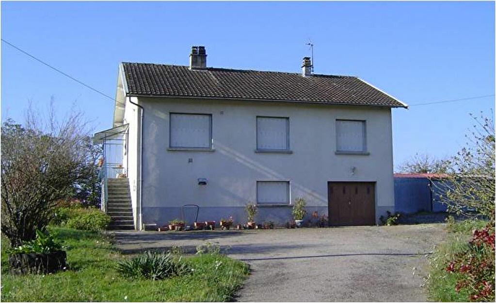 Location Maison 5 pièces à Saint-Junien - vignette-1