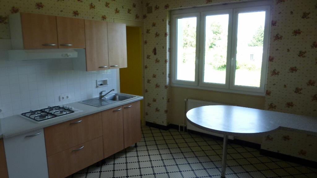 Location Maison 5 pièces à Saint-Junien - vignette-3