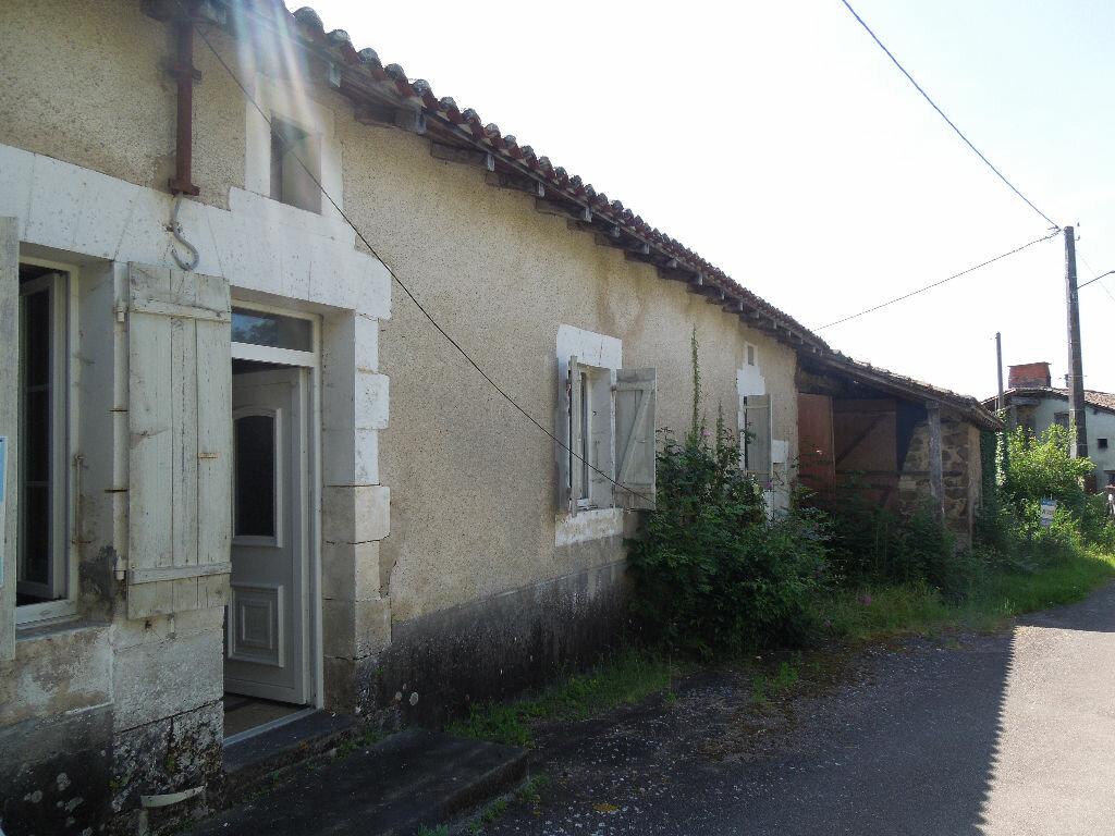 Achat Maison 3 pièces à Chabanais - vignette-1