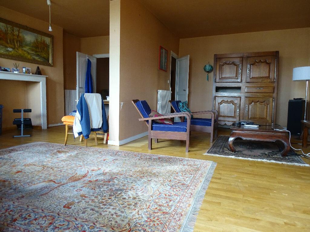 Achat Appartement 5 pièces à Saint-Junien - vignette-1