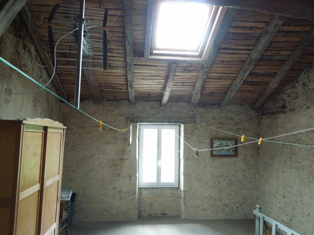 Achat Maison 3 pièces à Chabanais - vignette-9