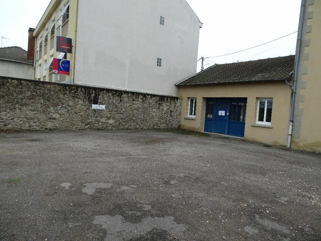 Location Local commercial  à Saint-Junien - vignette-5