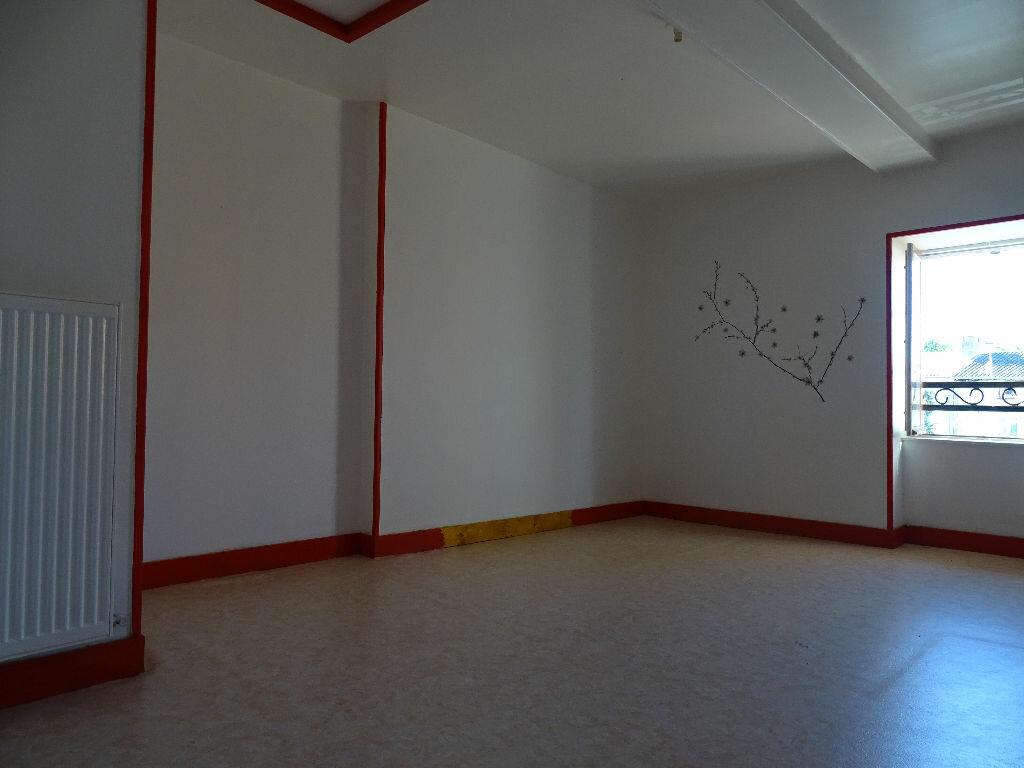 Achat Maison 4 pièces à Chabanais - vignette-10