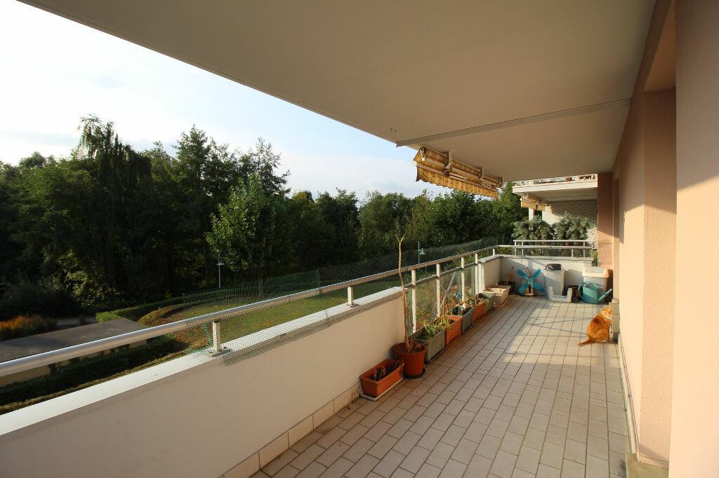Achat Appartement 4 pièces à Illkirch-Graffenstaden - vignette-4