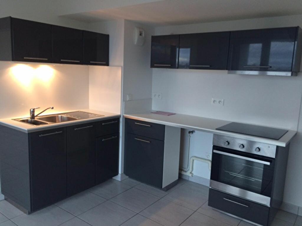 Location Appartement 3 pièces à Hoenheim - vignette-1