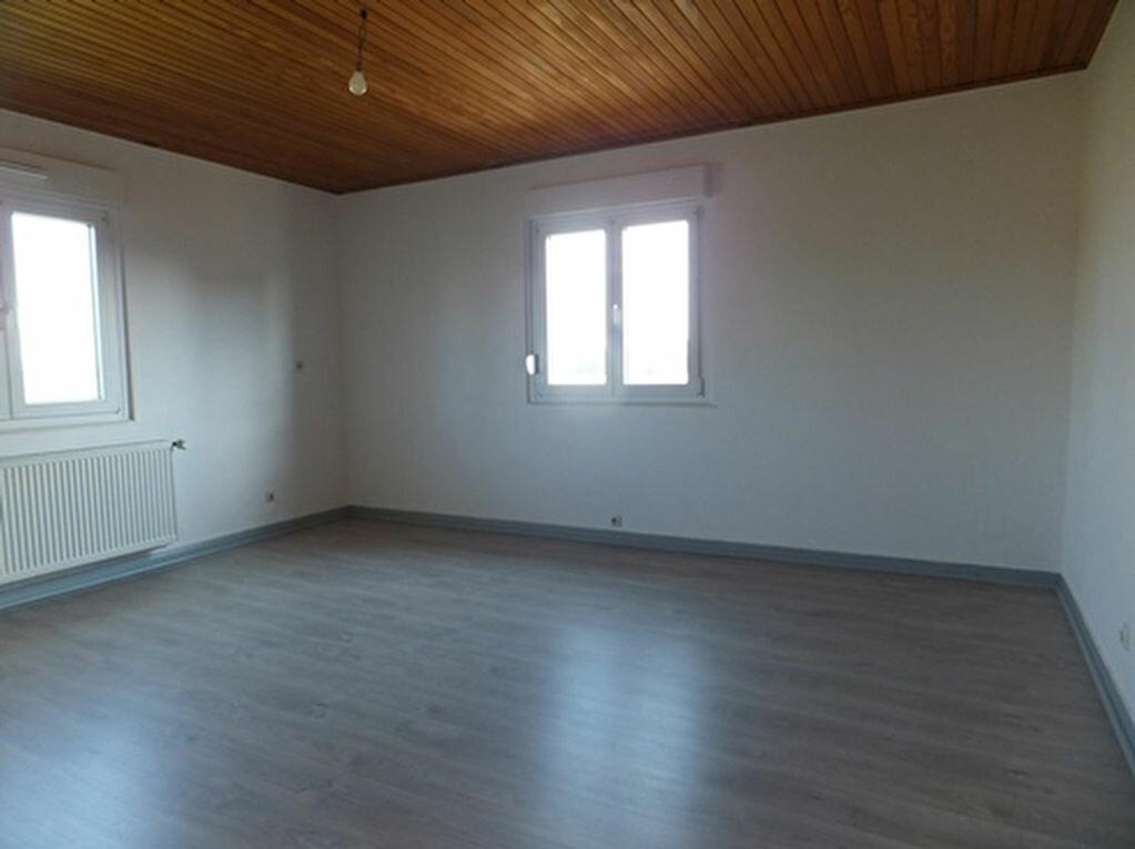 Location Appartement 3 pièces à Hegeney - vignette-1