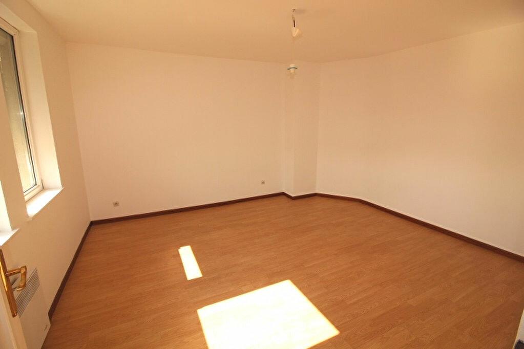 Location Appartement 3 pièces à Strasbourg - vignette-2