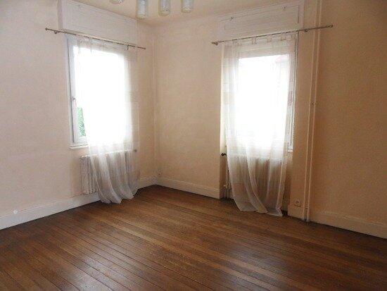 Location Appartement 3 pièces à Bischheim - vignette-3