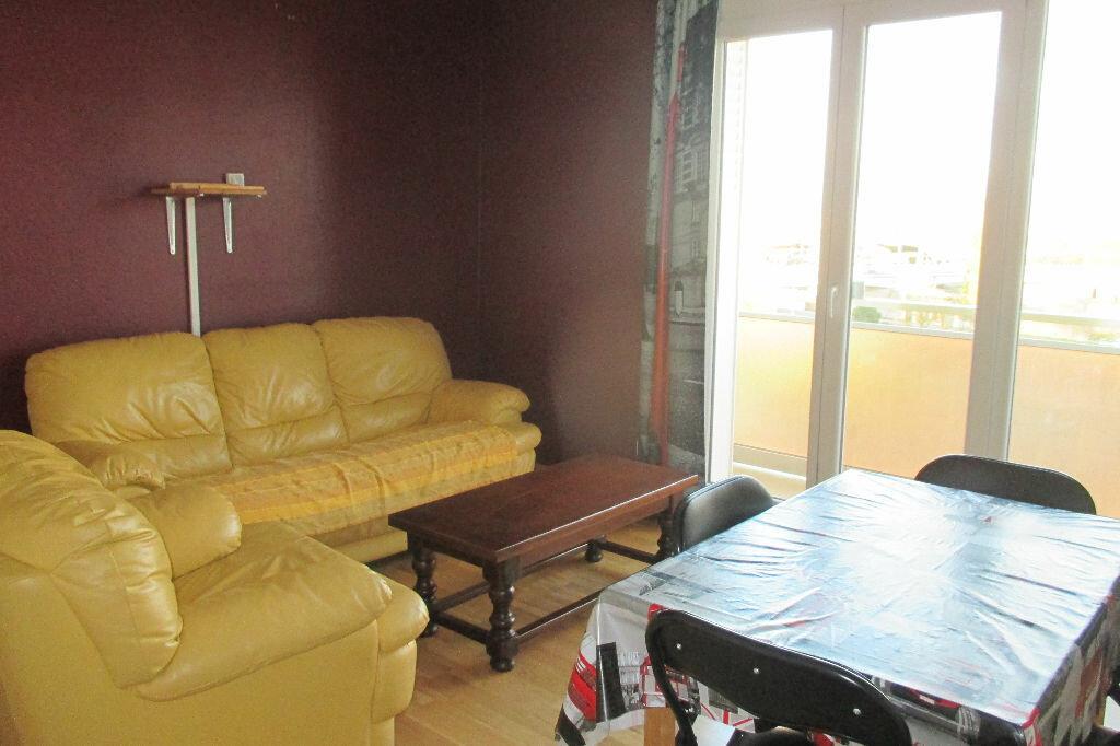 Location Appartement 4 pièces à Strasbourg - vignette-2