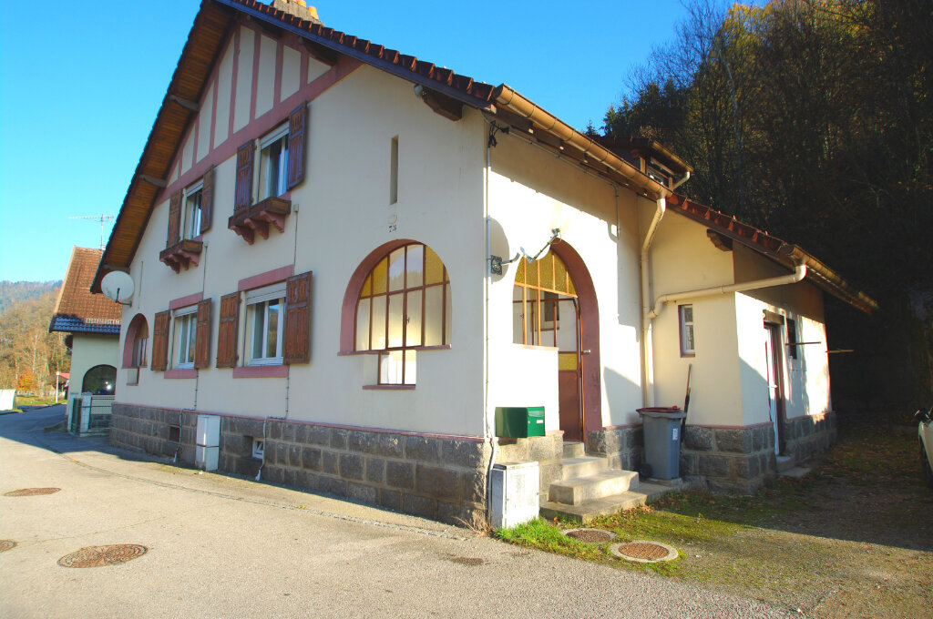 Location Maison 4 pièces à Senones - vignette-1