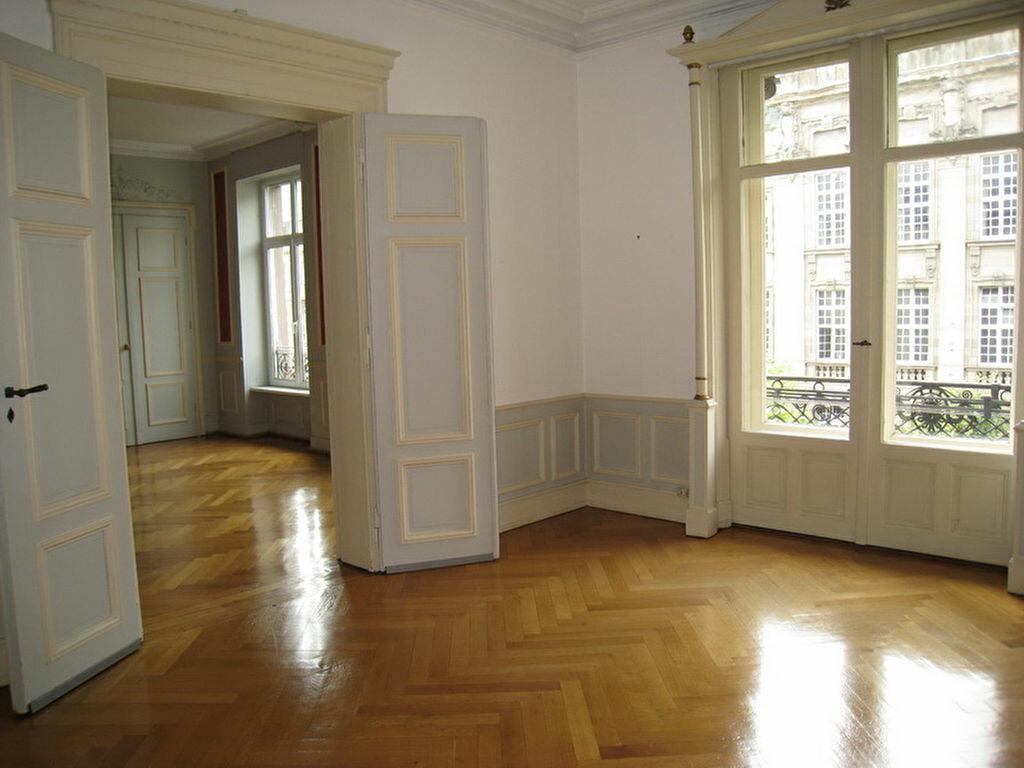 Location Appartement 7 pièces à Strasbourg - vignette-1
