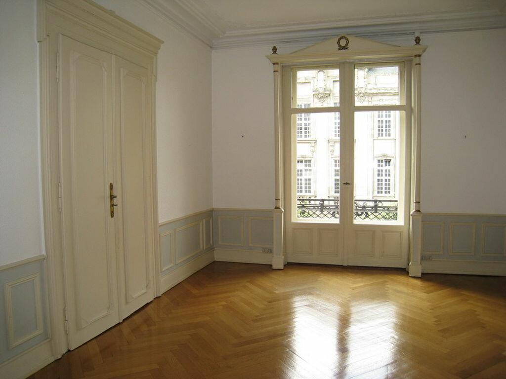 Location Appartement 7 pièces à Strasbourg - vignette-2