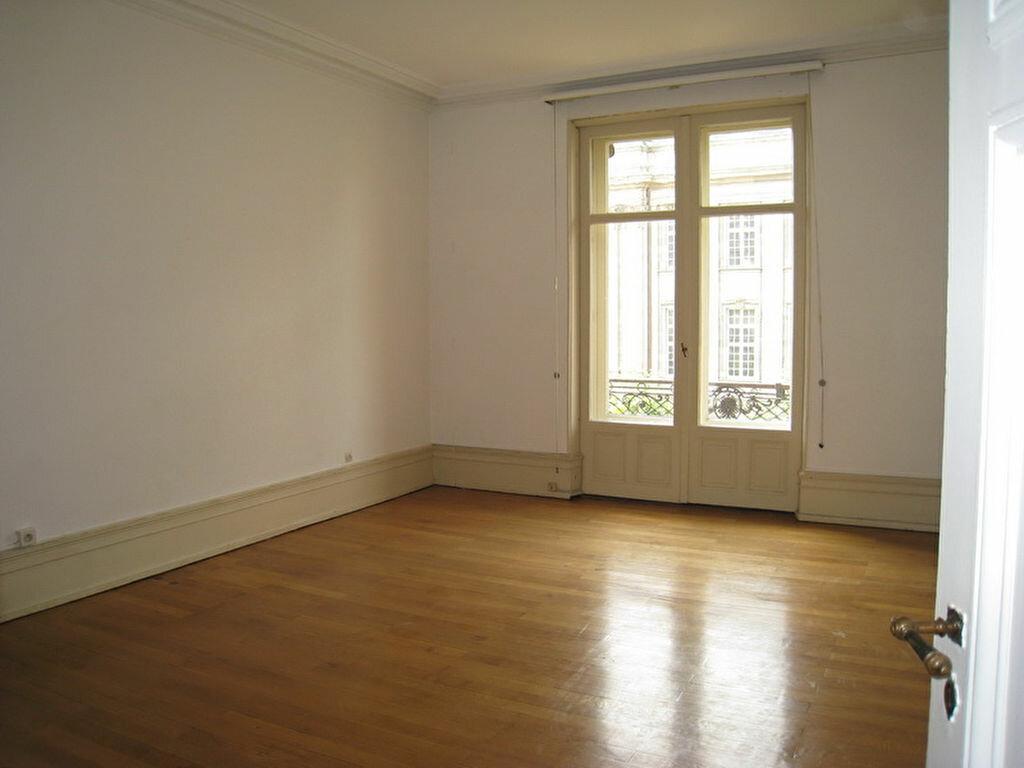 Location Appartement 7 pièces à Strasbourg - vignette-6
