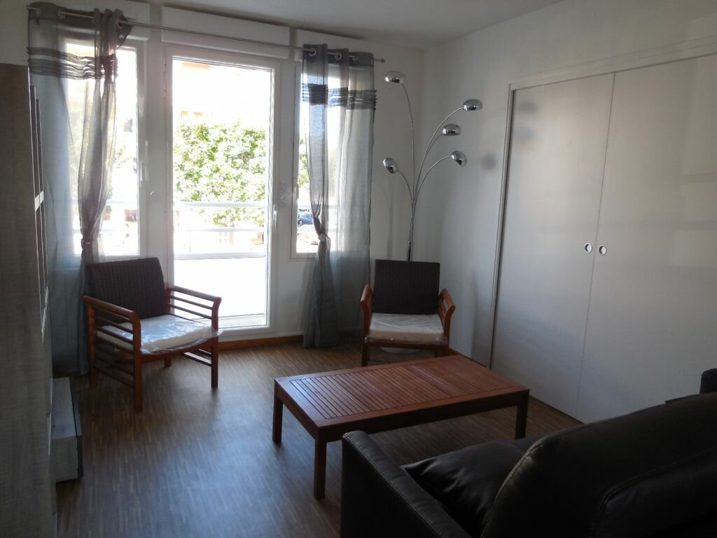 Location Appartement 3 pièces à Saint-Quay-Perros - vignette-1
