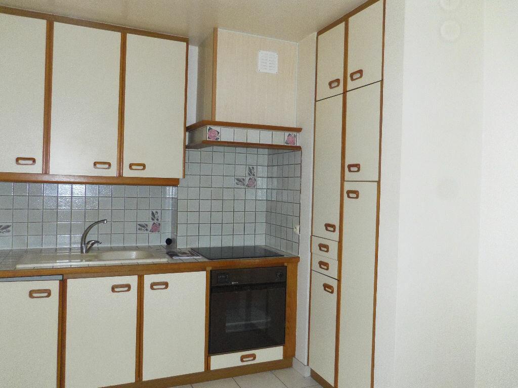 Achat Appartement 3 pièces à Lannion - vignette-2