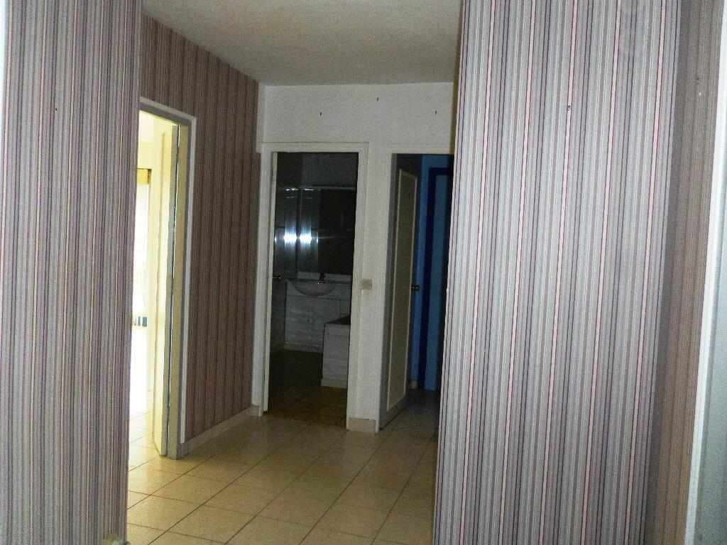 Achat Appartement 3 pièces à Lannion - vignette-8