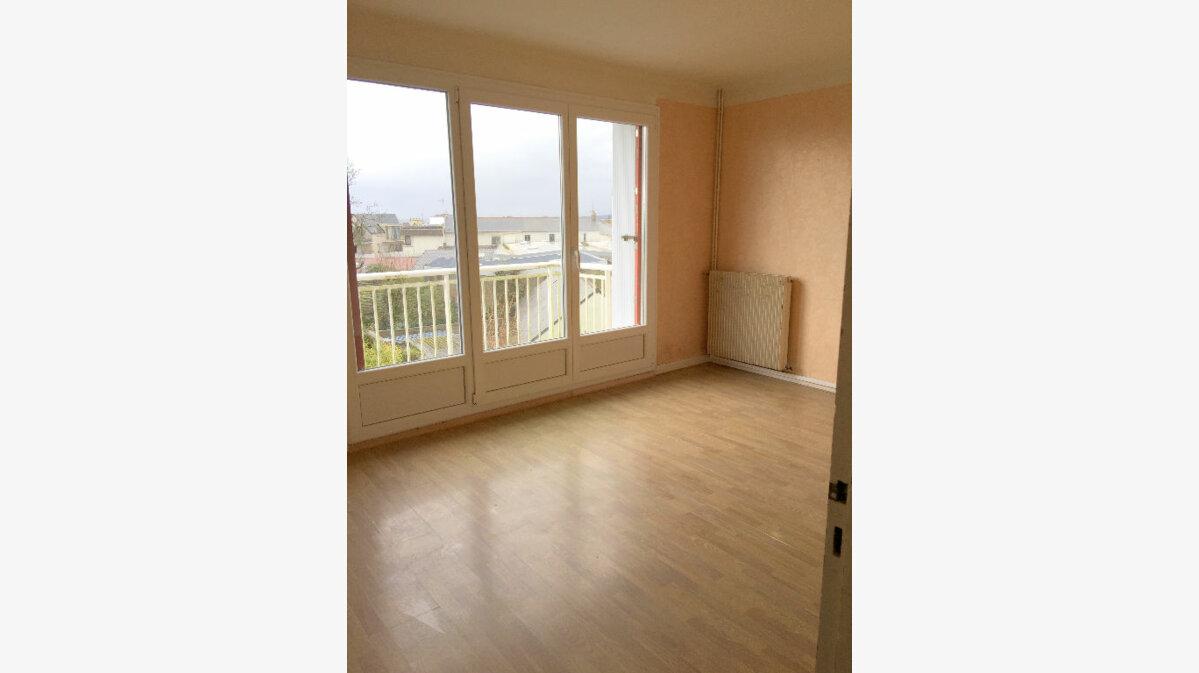 Location Appartement 3 pièces à Perros-Guirec - vignette-1