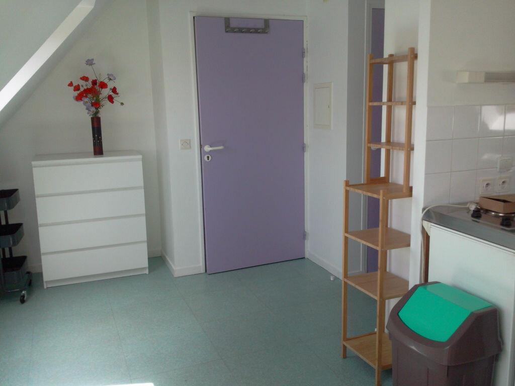 Location Appartement 1 pièce à Lannion - vignette-2