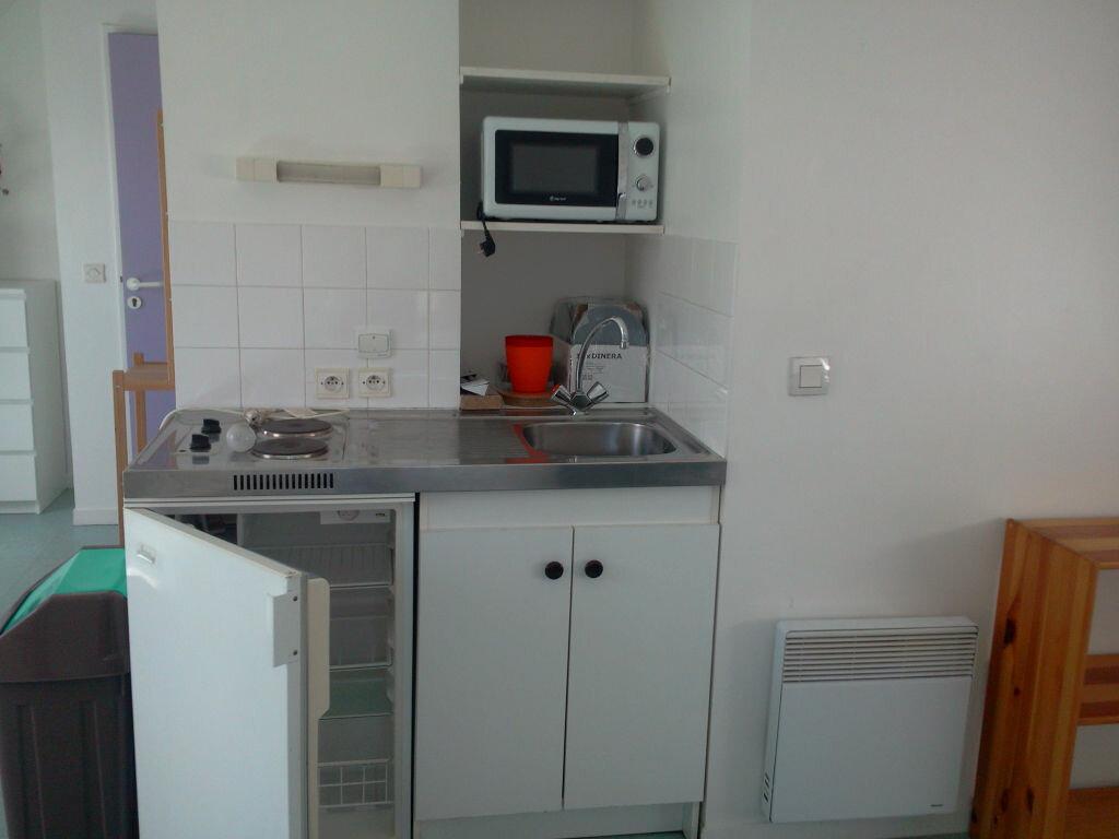 Location Appartement 1 pièce à Lannion - vignette-4