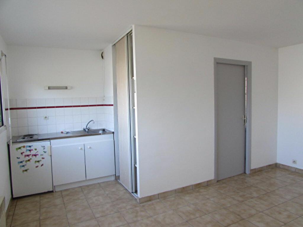Location Appartement 1 pièce à Lannion - vignette-1