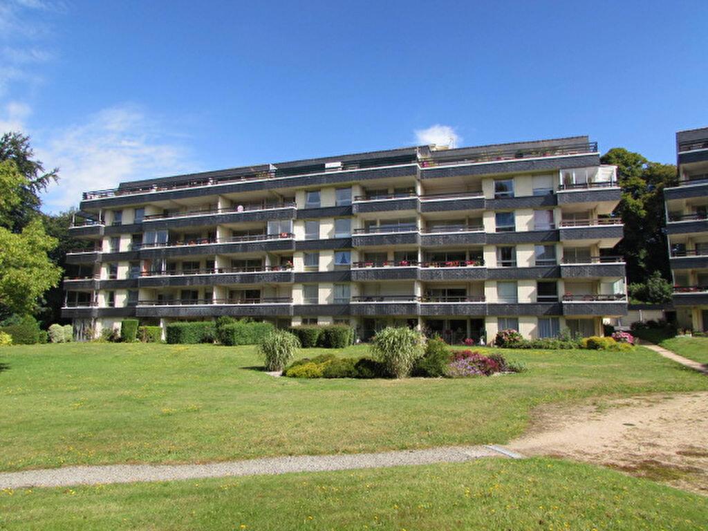 Location Appartement 4 pièces à Lannion - vignette-1