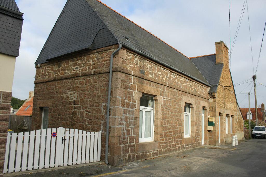 Location Maison 3 pièces à Perros-Guirec - vignette-1