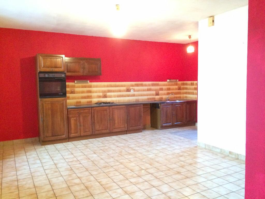 Location Appartement 3 pièces à Callac - vignette-1